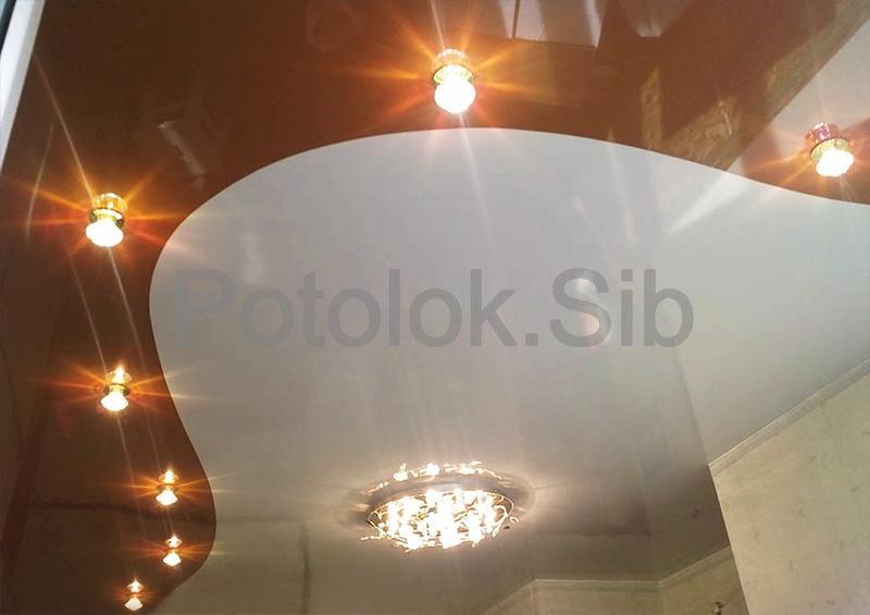 Натяжной потолок со спайкой   Коридор