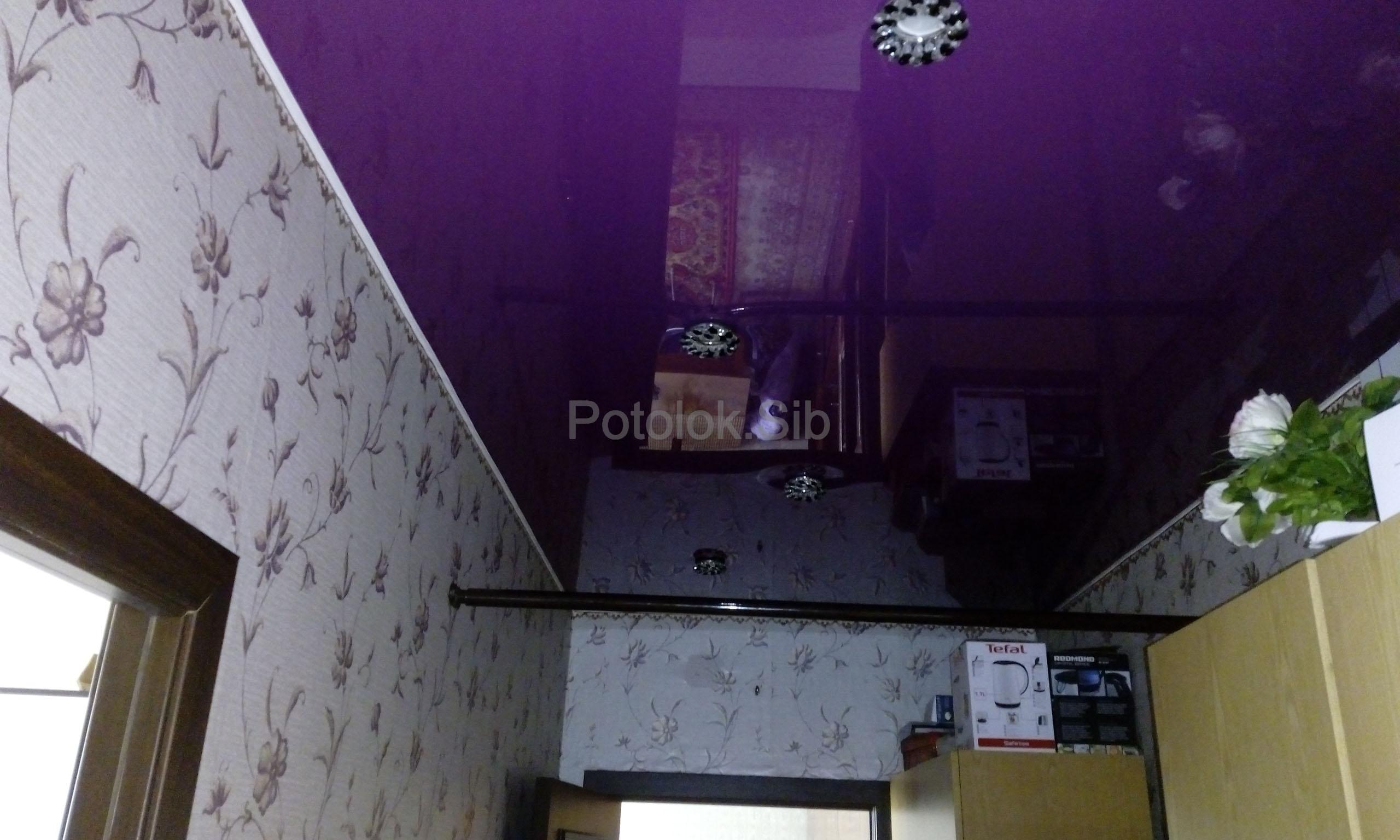 Глянцевый натяжной потолок   Коридор